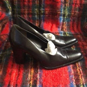 🌹Banana Republic black leather  pumps Sz 9M
